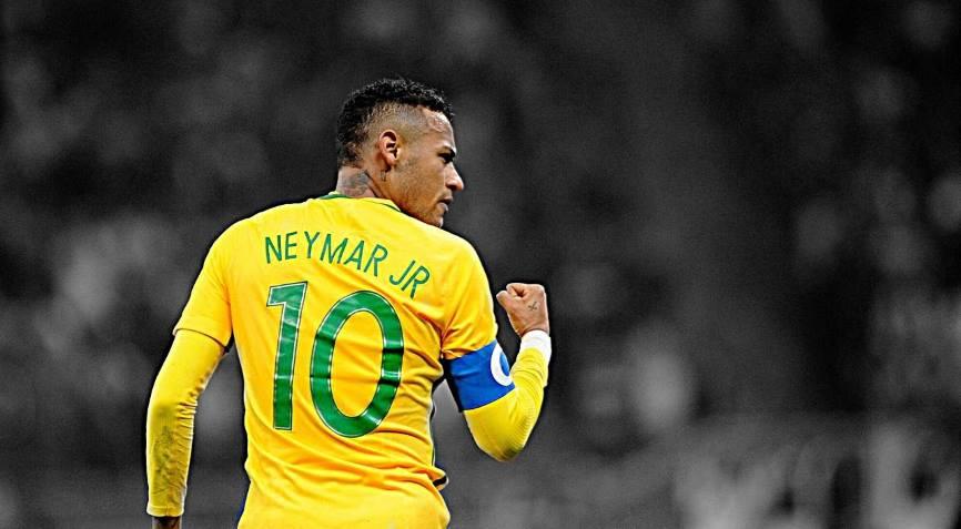 футболист Бразилии