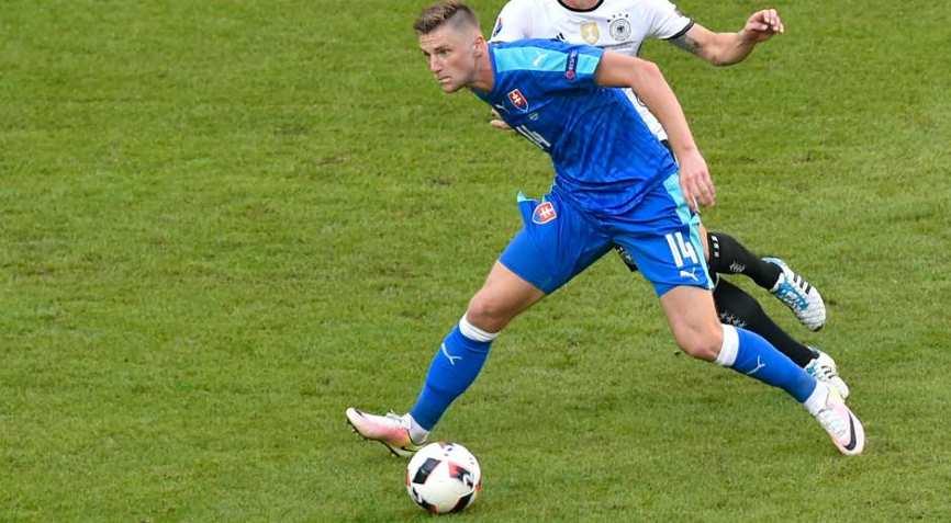 футболист Словакии
