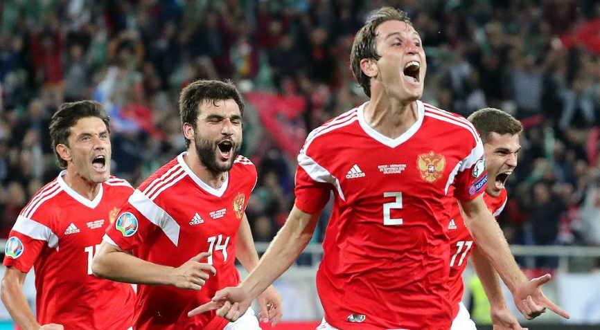 футболисты России